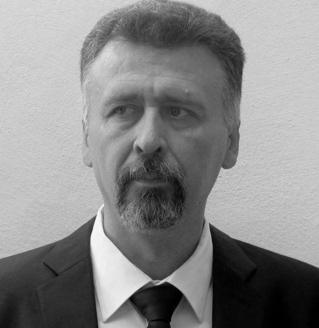 Ninus Nestorovic , satiricar