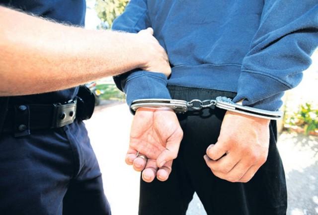 hapsenje-lisice-rojters-1378417666-362151