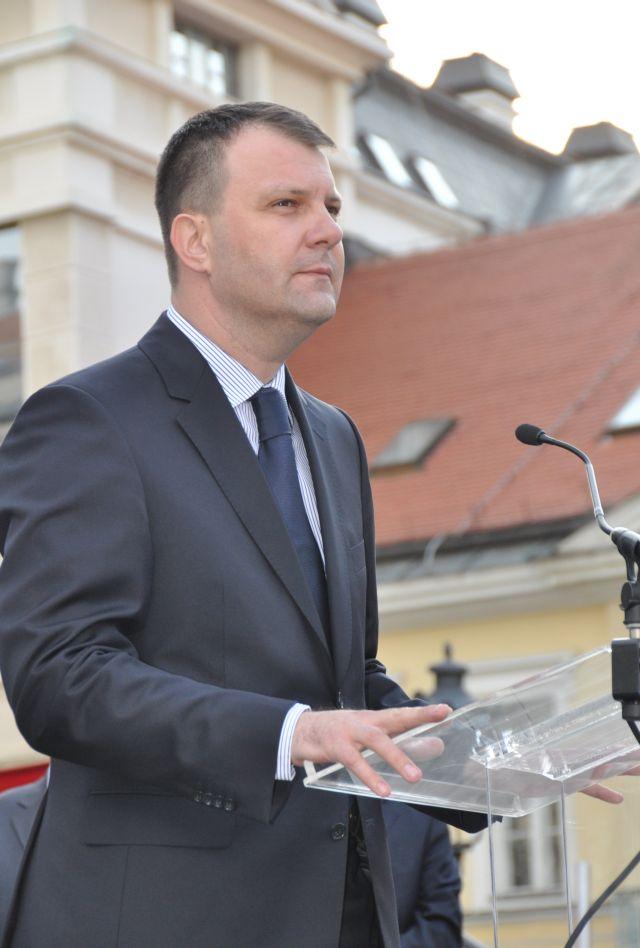 Igor Mirovic 3