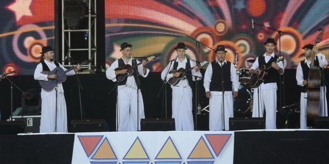 tambura,-tamburica-fest-