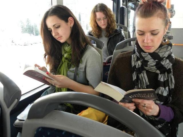 bus-reading__1
