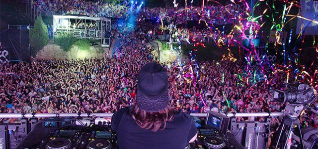 exit-egzit-festival-dens-arena-dance-arena-masa-ljudi-publika-fanovi-exitfest-org-bernard-bodo-jpg_660x330