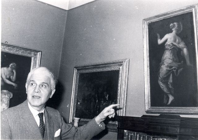 Pavle Beljanski u svom stanu (1965)
