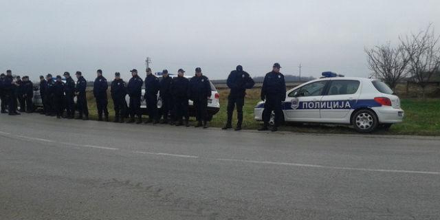 policija-paori-traktori-jpg
