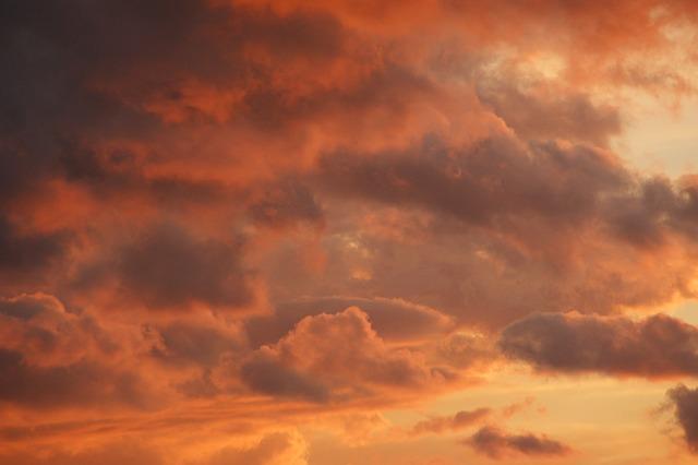 sky-203900_640