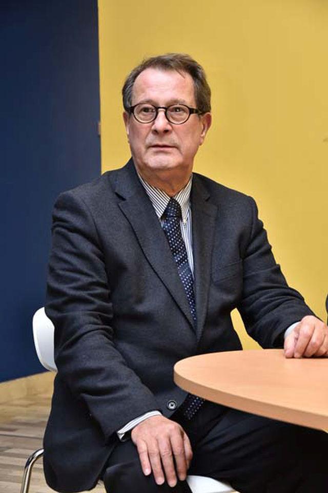 15 Bosko Jaksic - spoljnopoliticki novinar