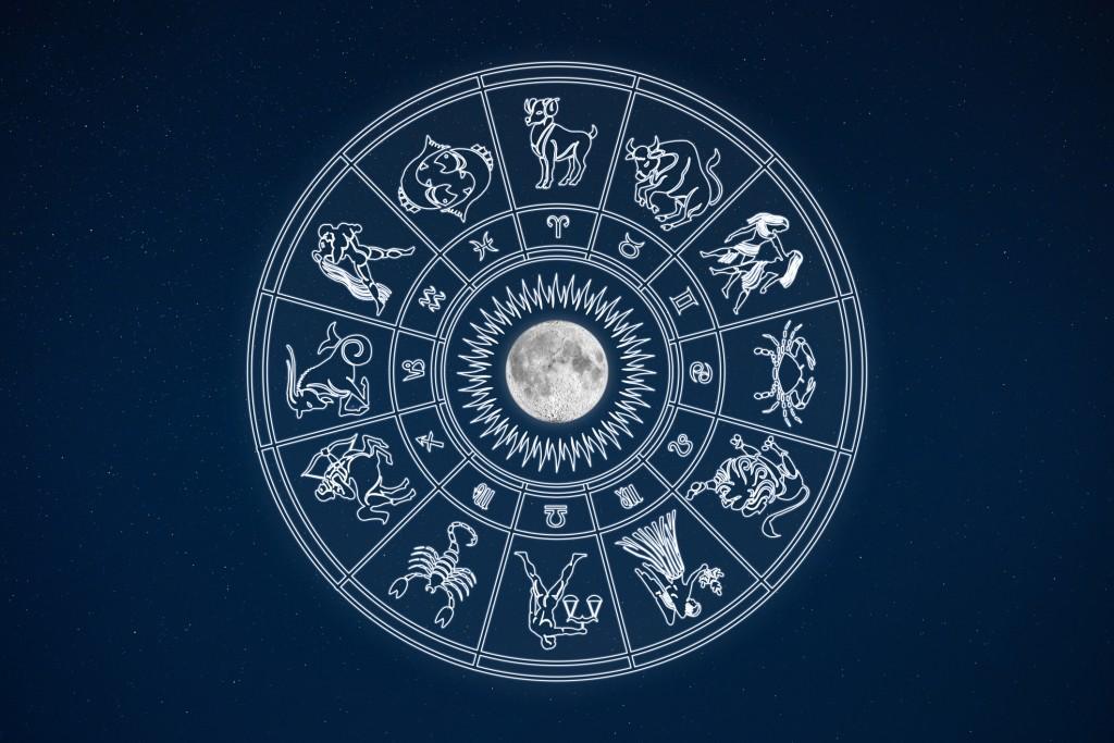 ThinkstockPhotos-horoskop