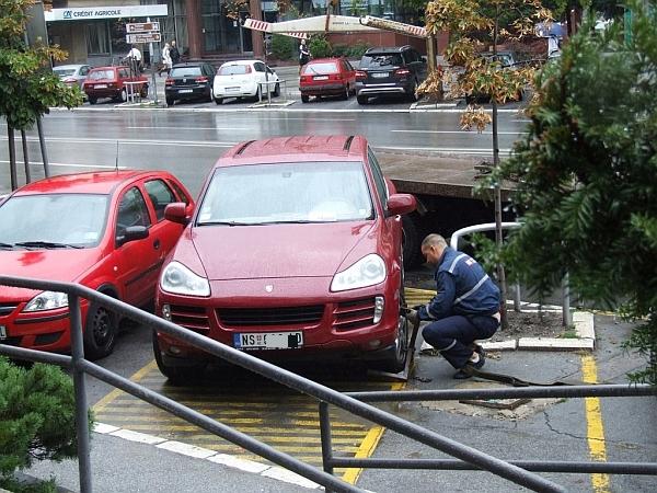 bahato_parkiranje_porse_centar_parking_servis_pauk_600_4