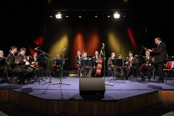 6991-tamburaski-orkestar-rtv