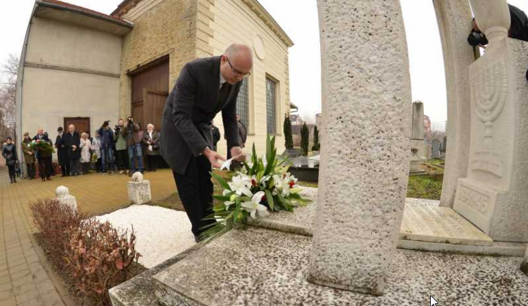 Secanje na Zrtve Holokausta  (1)