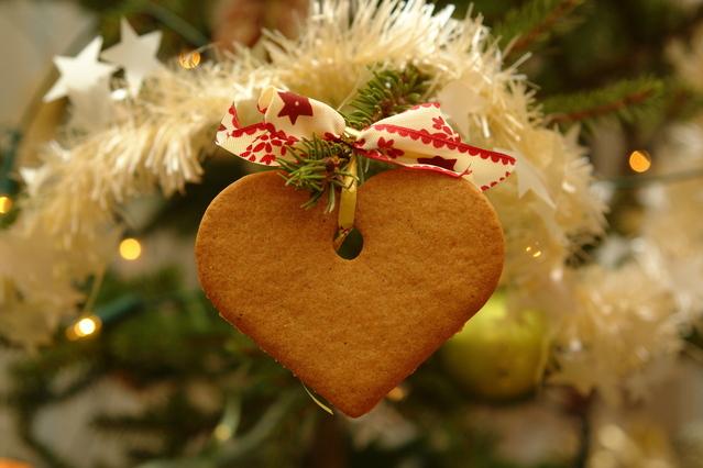 christmas-tree-1419970-639x426