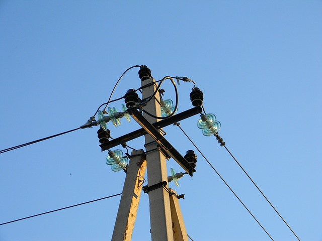 electricity-835440_640