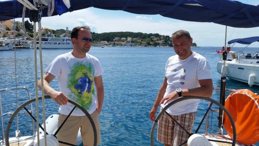 Retki trenuci odmora: Dr Stajić sa prijateljem