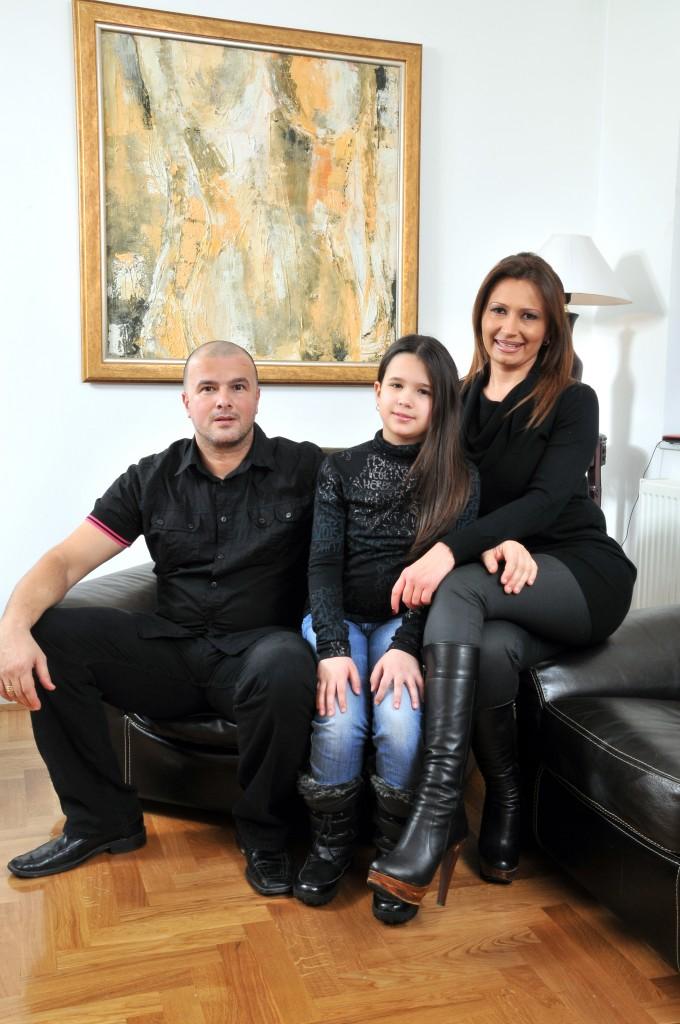 Petar Puača sa suprugom Ivonom i kćerkom Emanuelom