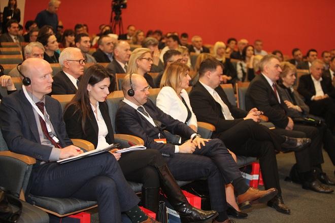 """Konferencija """"Energetske perspektive i izazovi"""" 2016"""