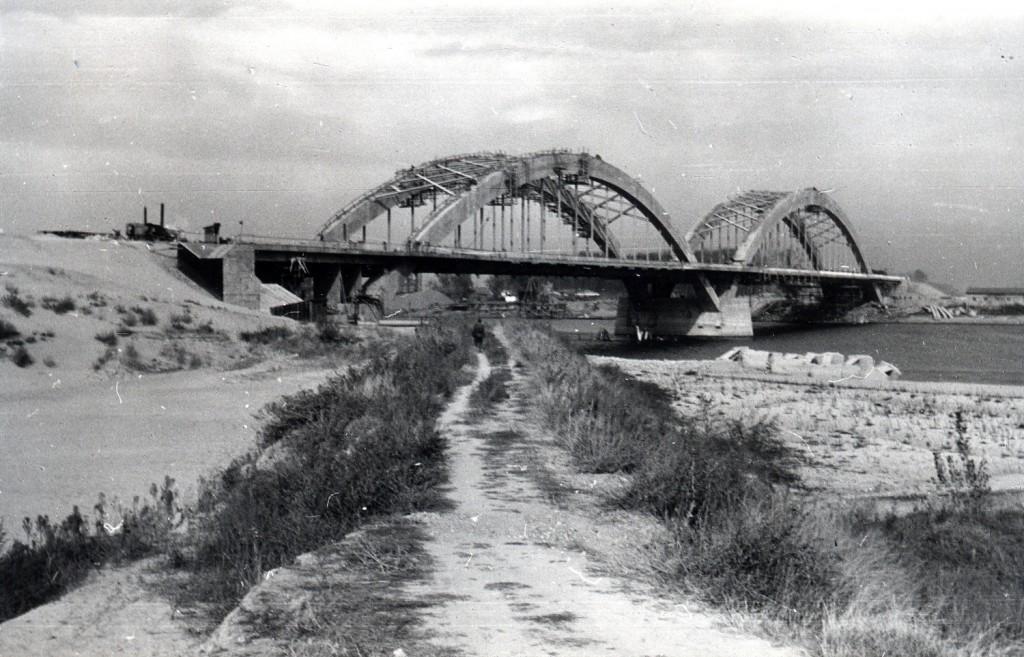 Izgradnja Žeželjevog mosta u Novom Sadu 1957-1961