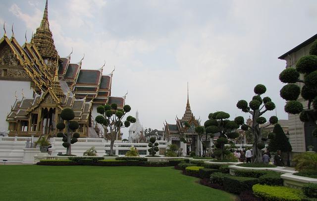 palace-653300_640