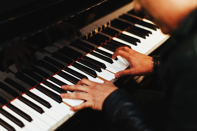pianist-1149172_640