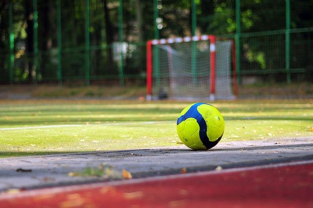 soccer-933037_640