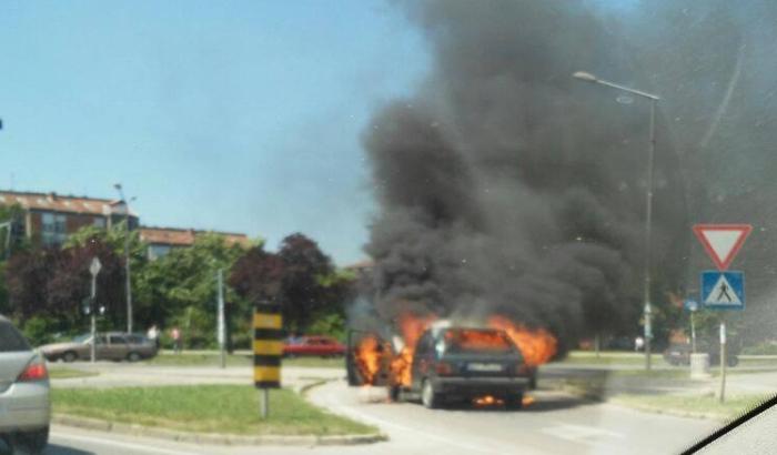 izgoreo_auto