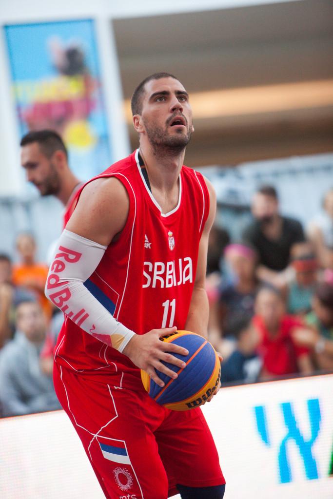 Aleksandar Kamasi (3)
