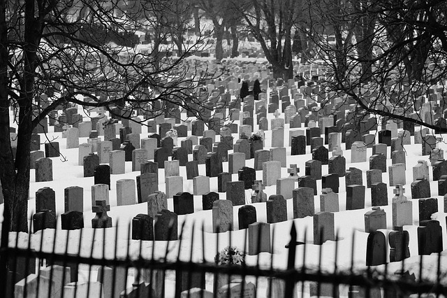 cemetery-926312_640