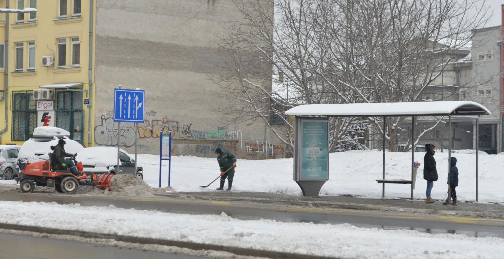 ciscenje snega8