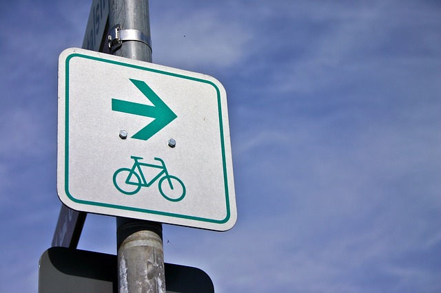 cycle-path-1728377_640