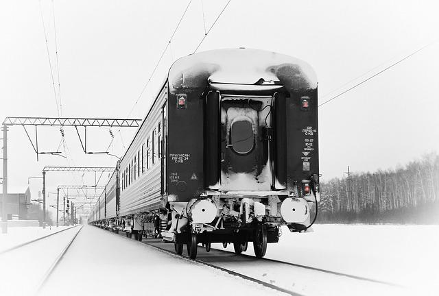 train-1633019_640