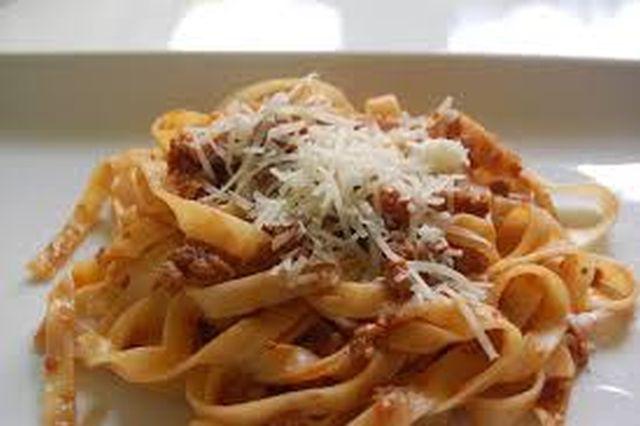 Italijanska kuhinja Taljatele-ragu
